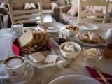 Πρωινάρα με ντόπιες λιχουδιές - Amazing breakfast with delicious handmade products.