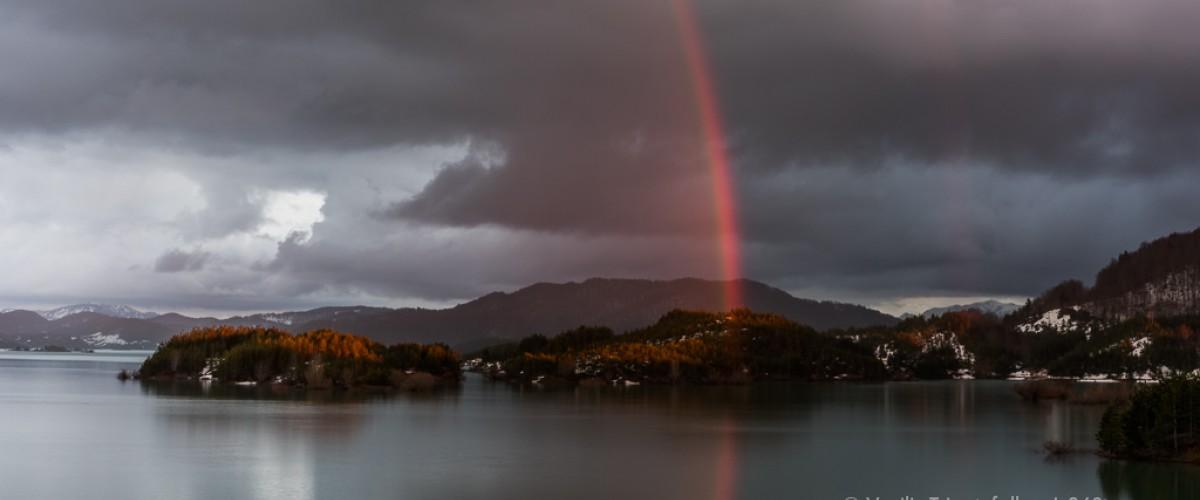 Ουράνιο τόξο στη Λίμνη Αώου