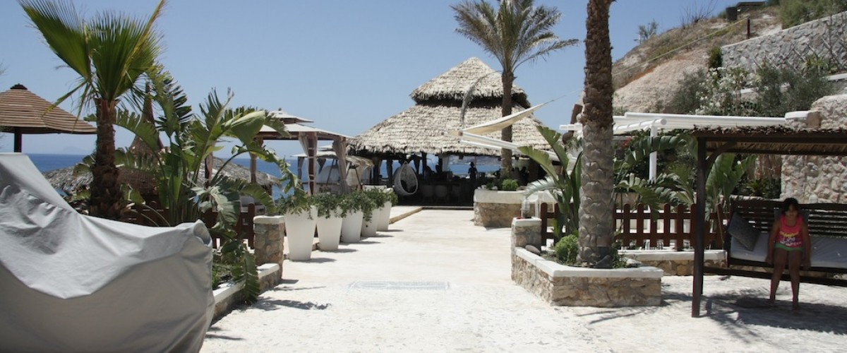 Theros beach bar - Vlychada beach