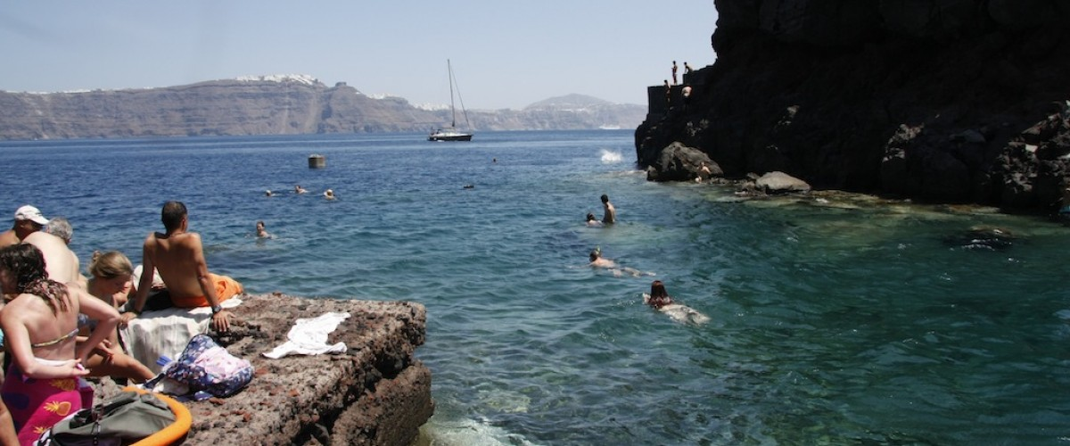 Dips and dives at Ammoudi beach