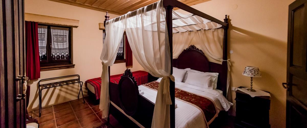 Το πανέμορφο δωμάτιό μας - Our beautiful room