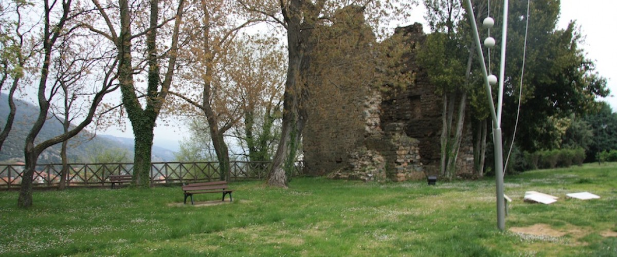 Μια από τις πλευρές του πάρκου - Views of the park