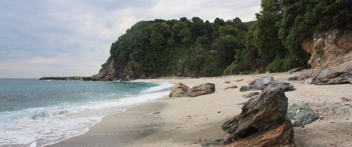Plaka beach